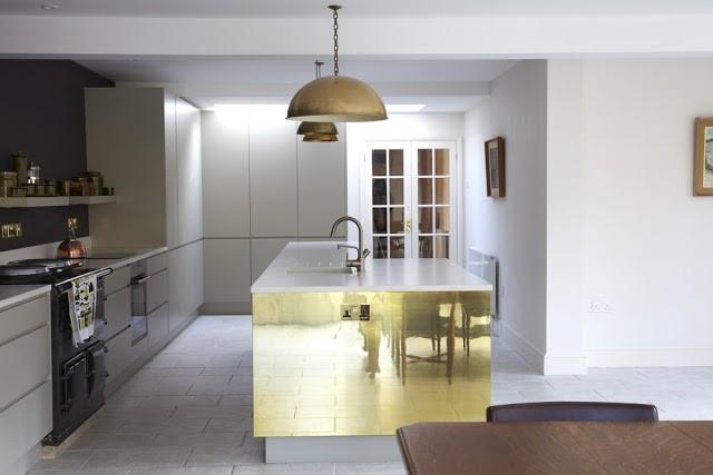 Mueble de Latón en Málaga